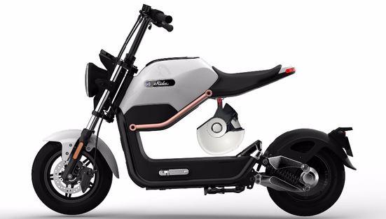 электрический скутер на двух колесах